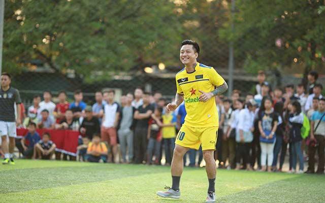 HAT của ca sỹ Tuấn Hưng hòa FC Family 6fbe5c958f0