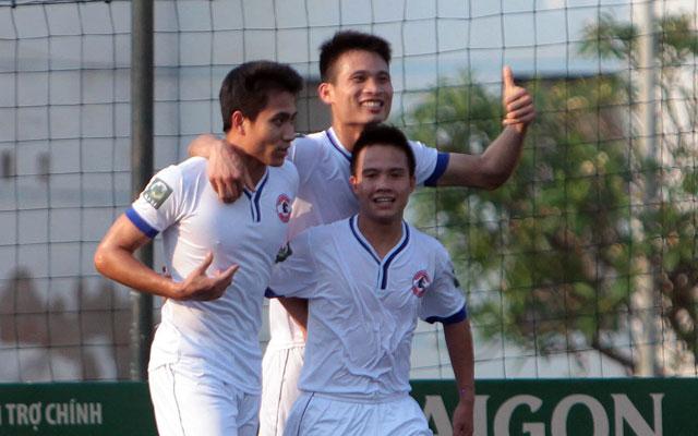 Vòng 7 SL1-S1: Gia Việt ghi 10 bàn, phả hơi nóng vào gáy EOC