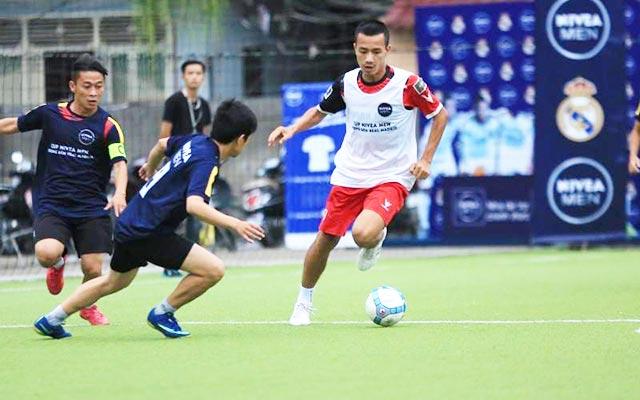 """Cường """"kem"""", chiến binh máu lửa của FC Thành Đồng"""