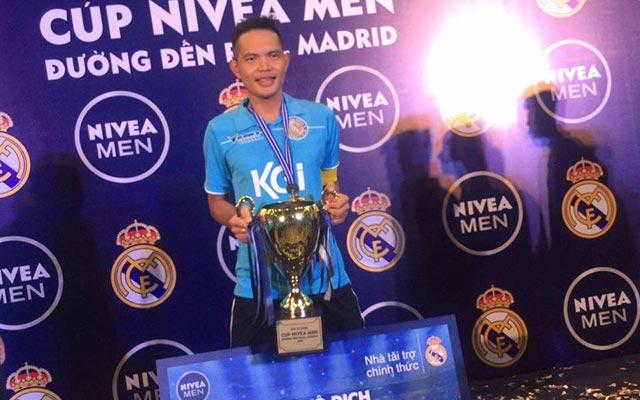 """Thắng """"Xavi"""" đi vào lịch sử bóng đá phủi Hà Nội"""