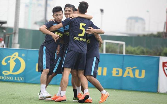 """Tâm """"Kaka"""" lập hat-trick, MV Corp thắng Triều Khúc 6-4"""