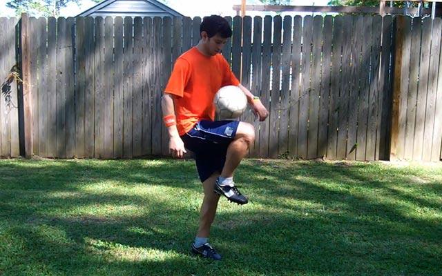 Các bài tập bổ trợ trong bóng đá (phần 1)