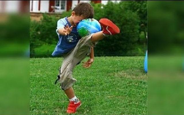 Những tai nạn khó đỡ khi chơi bóng