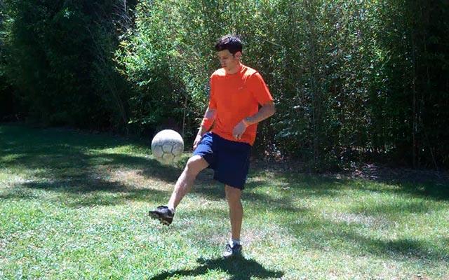 Các bài tập bổ trợ trong bóng đá (Phần 2)