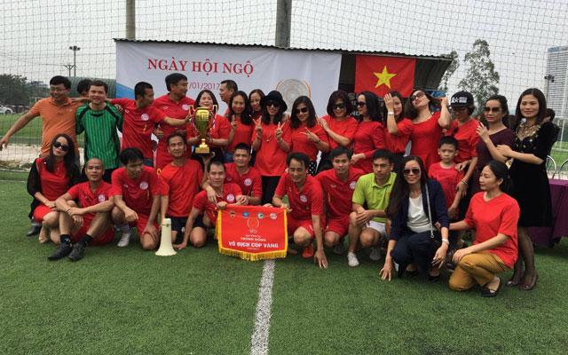 Cựu tuyển thủ Lê Hồng Minh giúp FC Đào Duy Từ 93-96 vô địch giải Trống Đồng