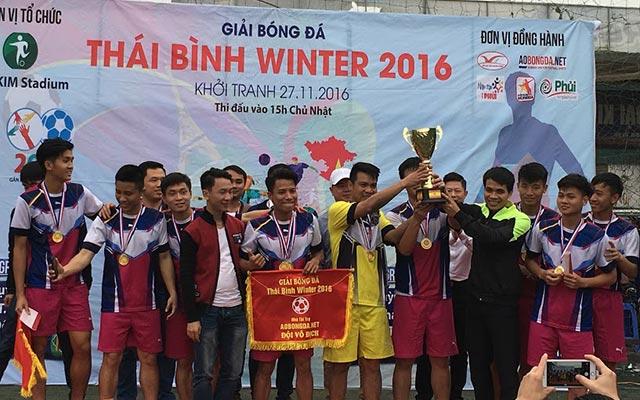 FC Hưng Nhân vô địch giải bóng đá 17 Winter 2016