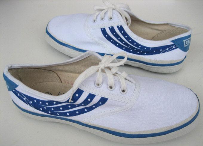Những đôi giày bata tàu không được sản xuất để tối ưu cho sân cỏ nhân tạo