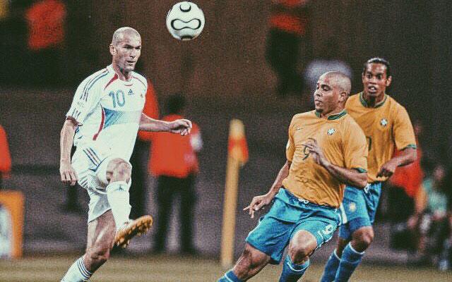 Kỹ thuật điều khiển bóng như múa của Zidane