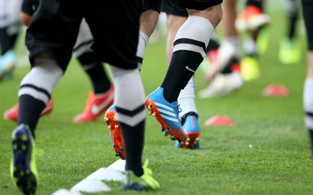 5 bài khởi động không bóng cơ bản trước trận đấu