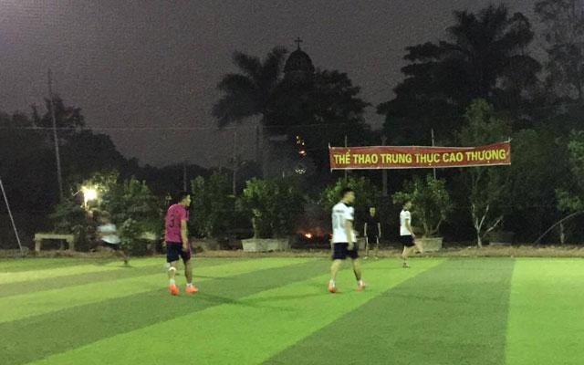 """Giải Cường Xuân Đông Lao 2017: FC Khó Nói khiến FC 9x """"câm lặng"""""""
