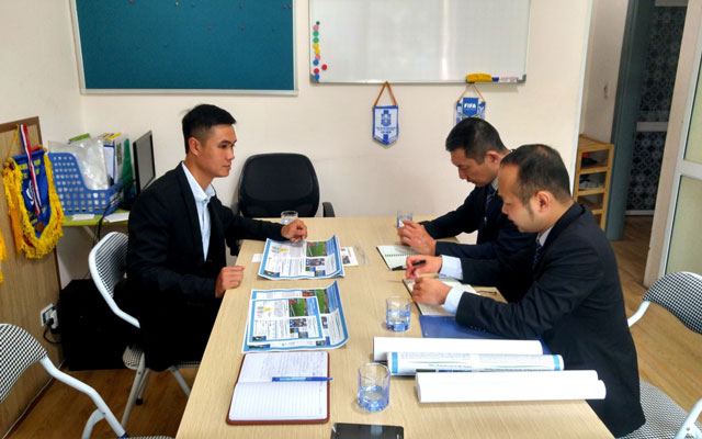Đại diện ĐH Thể thao Nihon Wellness Nhật Bản thăm trụ sở trung tâm bóng đá Blue Sky