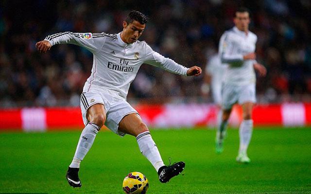 Khi Cristiano Ronaldo chơi bóng