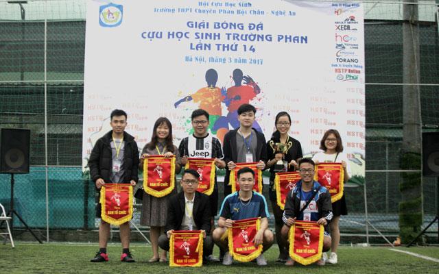 Khai mạc Giải bóng đá cựu học sinh trường THPT chuyên Phan Bội Châu - Nghệ An