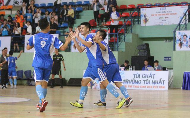 Vòng 1/8 VUG 2017 Hà Nội: ĐH GTVT thắng thuyết phục