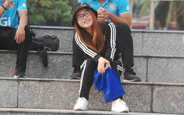 """Heoheo Xuxi, nữ CĐV rất """"dị"""" của Thành Đồng"""
