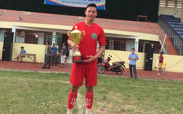 Thành Hery, người hùng trên băng ghế dự bị của FC Phương Anh