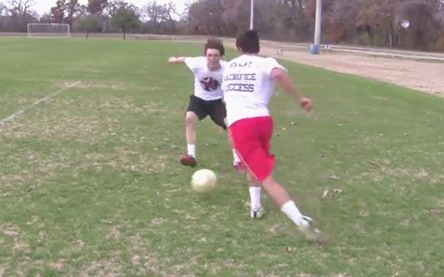 Kỹ năng đá bóng: Kéo và đẩy bóng