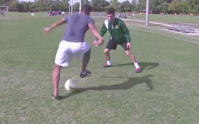 Kỹ năng đá bóng: Vê bóng và cắt chuyển hướng