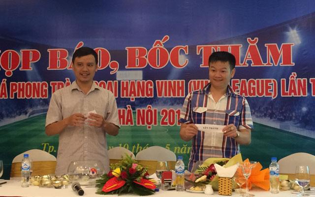 Văn Quyến bốc thăm giải Vinh League cúp Bia Hà Nội năm 2017