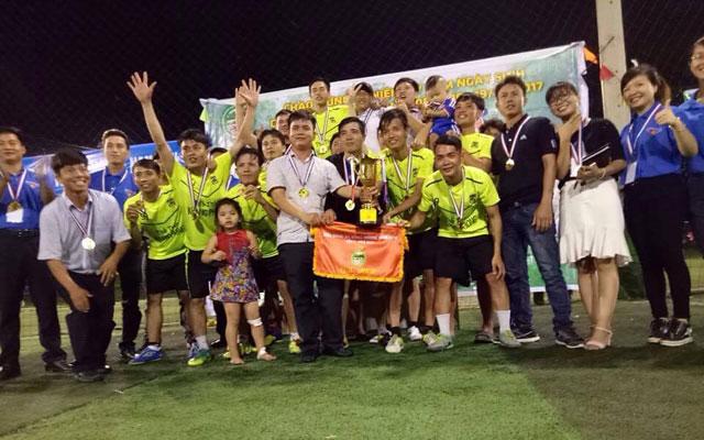 FC Xuân Hòa lần thứ hai vô giải HĐH Nam Đàn phía Nam