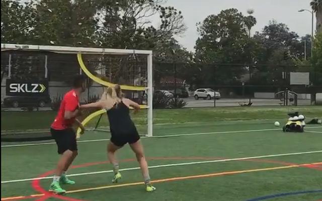 Luyện tập các kỹ năng đá bóng cơ bản