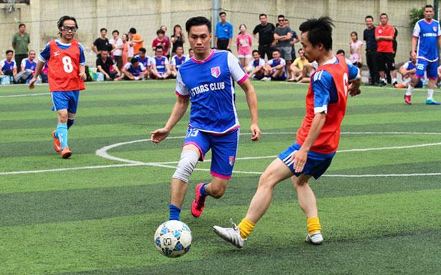 V-Stars thắng Đại học Ngoại ngữ 2-1 trong trận đấu ủng hộ sinh viên nghèo