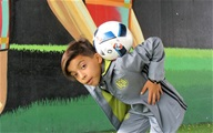 Nhóc 11 tuổi chơi bóng lắt léo như Neymar