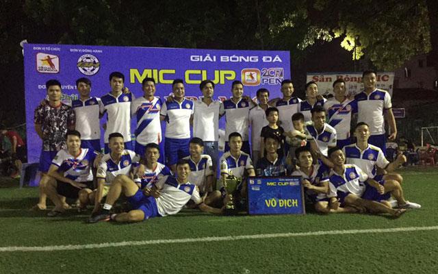 """Long """"thổi"""" tỏa sáng, FC Dương Nội vô địch MIC Cup Open 2017"""