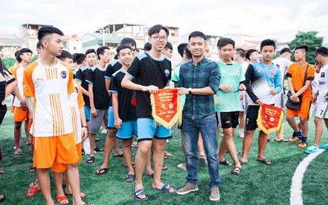 Tưng bừng khai mạc Giải bóng đá học sinh THCS tại Nghệ An