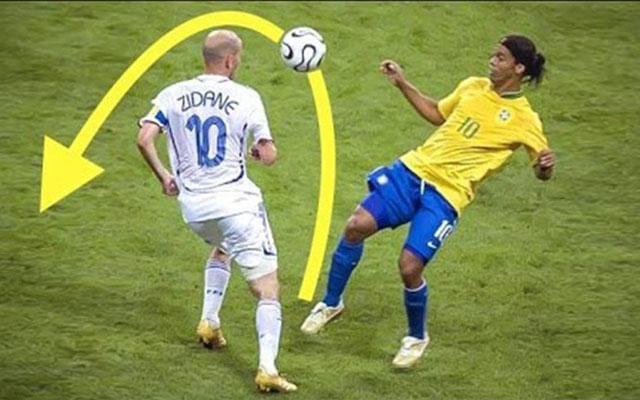 """Những pha bóng """"nghịch"""" đối thủ của Ronaldinho"""