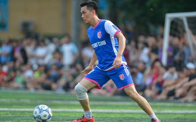 Người phán xử Phan Hải và tình yêu bóng đá với CLB V. Stars