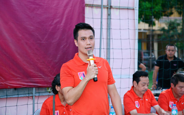 V. Stars đá giao hữu với cựu cầu thủ CAHN, ủng hộ đồng bào Sơn La
