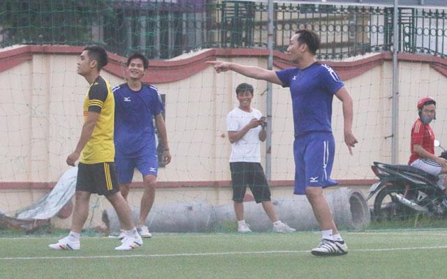 MC Thành Trung tỏa sáng, FC UCE hòa FC Tứ Hải 5-5