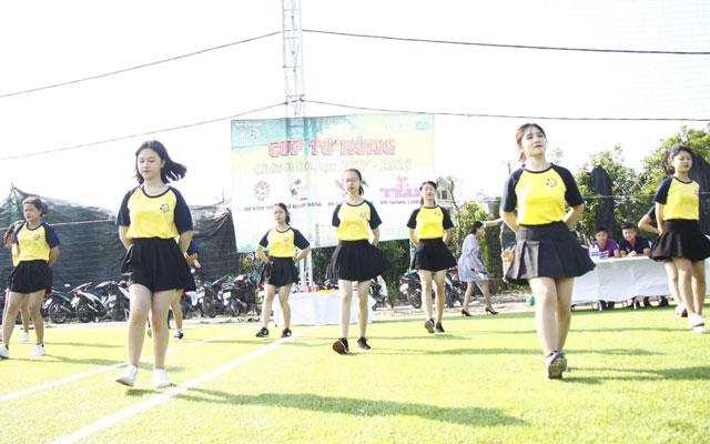 Ngoài đường Pitch - Những cô gái truyền lửa BFC