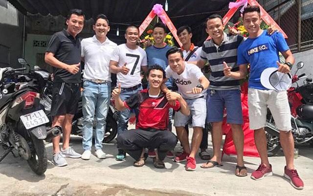 Tuấn Vinh – Từ siêu phủi, cầu thủ chuyên nghiệp tới ông chủ quán lẩu