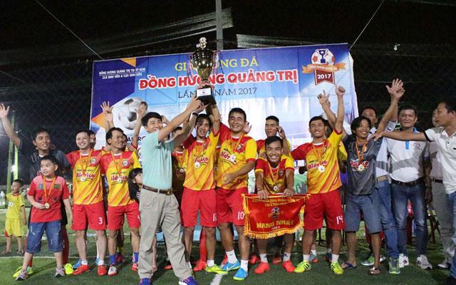 Vua phủi lập poker, Cổ Lũy FC vô địch giải Đồng hương Quảng Trị