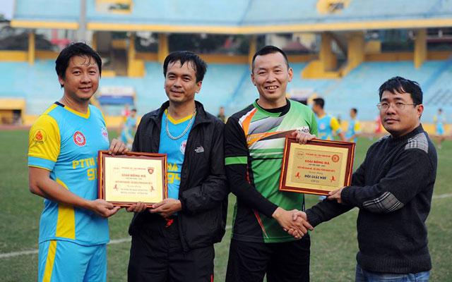Giao hữu bóng đá FC 91-94: Ngập tràn niềm vui