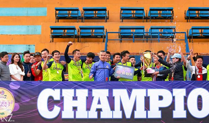 VCK vô địch sân 7: Vùi dập DTS, Trà Dilmah lên ngôi vô địch