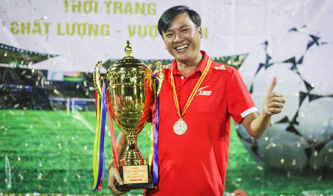 """Bầu Tới - Lê Bảo Minh: """"Tôi cũng là một """"con nghiện"""" bóng đá phủi"""""""
