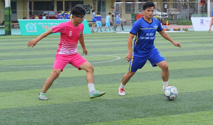 """Vòng 4 Sài Gòn League 2018: Hồng Thạch lập cú poker, CFC Bình Dương """"làm gỏi"""" Hiệp Thành"""