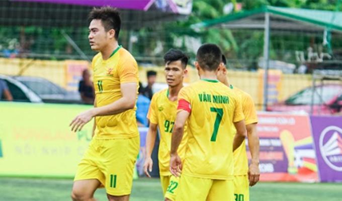 Ngoại hạng Vinh 2018: Hai cầu thủ lập hat-trick, Văn Minh hủy diệt đối thủ tới 9 bàn