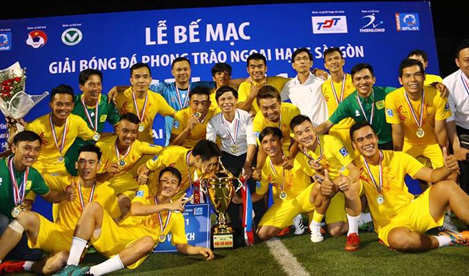 """Chung kết SPL-S1: """"Vua phủi"""" loé sáng, Văn Minh hạ Lam Hồng để lên ngôi vô địch"""