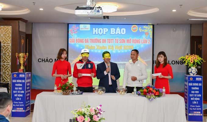 5 đội bóng dự giải bóng đá Trường ĐH TDTT Từ Sơn Mở rộng lần 2