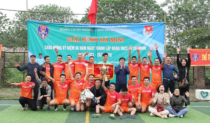 Giải bóng đá phòng CSGT Hà Nội: Đội Tuần tra dẫn đoàn giành ngôi vô địch