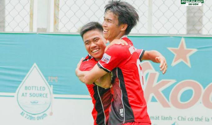 """Vòng 5, Sài Gòn League: Đệ nhất phủi miền Tây """"tặng quà"""" Phu nhân Quốc Michel"""