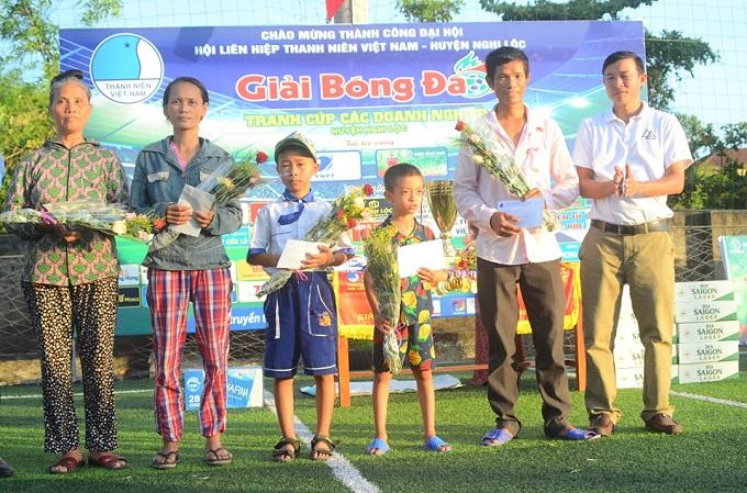 Khai mạc DN Nghi Lộc 2019: Giá trị nhân văn ở ngày hội bóng đá phong trào Nghi Lộc