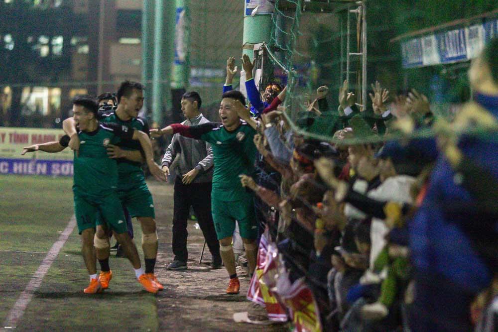 Tứ kết ĐH Đô Lương: Đương kim thành cựu vương và lễ hội trong đêm của người làng Thái