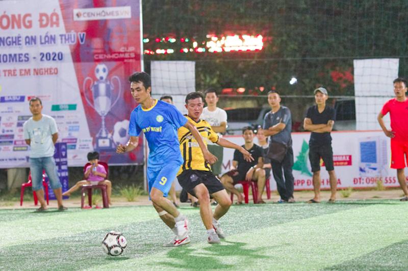 """Mobile NA- Cenhomes Cup: Hưng """"Muller"""" đập tan hy vọng của Nghi Lộc, Hoàng Gia và Liên Quân nín thở chờ lượt cuối"""