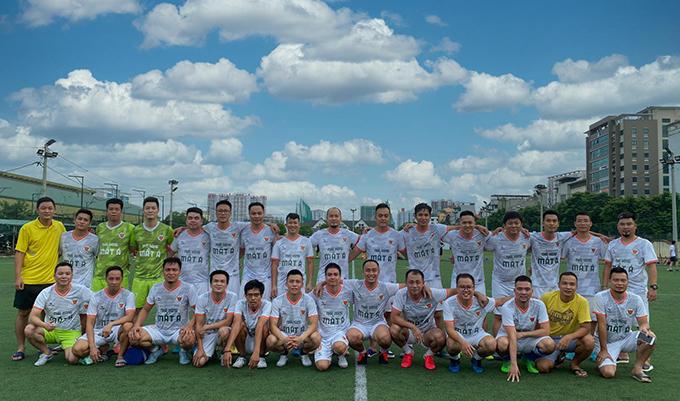 9 đội bóng dự giải bóng đá Cựu học sinh PTTH TP.Hà Nội khóa 2000-2003 Cúp Kim Ngưu 2020