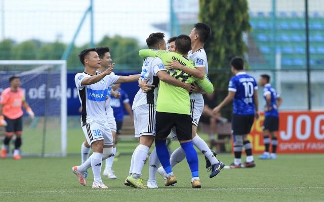 """FC Mobi 5-2 Fc Luxury Hạ Long: Mạnh """"nát"""" lập cú đúp, Mobi tiến thẳng bán kết"""